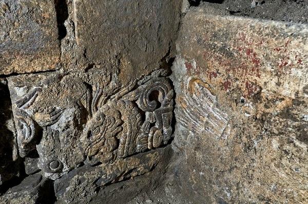 Descubren restos del Palacio de Axayácatl debajo de Monte de Piedad