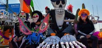 Atizapán disfrutó con gran alegría desfile alusivo al Día de Muertos