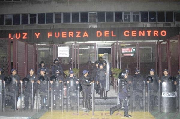 Denuncia SME al expresidente Felipe Calderón y funcionarios de su gabinete por extinción de Luz y Fuerza