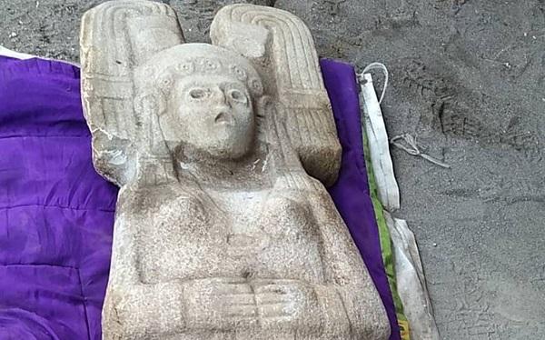 Hallan agricultores escultura de gobernante prehispánica; podría remontarse a entre 1450 y 1521