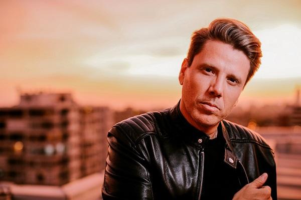 """El cantautor chileno Andrés de León lanza su nuevo sencillo """"Para qué Vuelves"""", en México"""