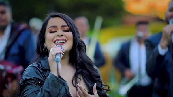 """Kimberly Pleitez estrena """"Besitos""""; prepara lanzamiento con temas inéditos"""