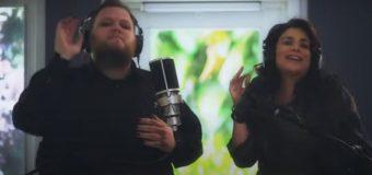 """Enrique Ramil y Karina interpretan la versión ranchera de """"Prefiero ser la otra"""""""